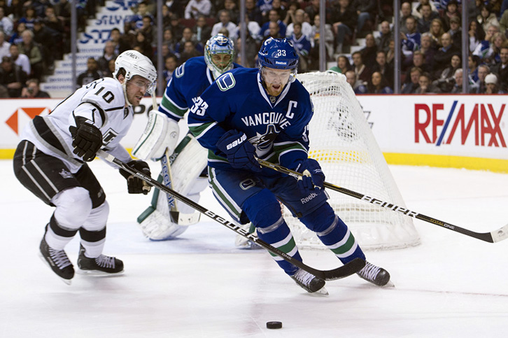 Right On Eh La Kings Vancouver Canucks To Play Preseason Games In