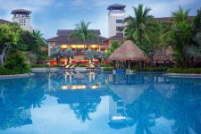 5 Destination Hotels for the Holidays
