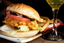 The SmSh (Ultimate) Guide to Shanghai Dive Bar Burgers
