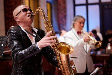 [Shanghai Famous]: Musician From The Peace Hotel Jazz Band, The World's Oldest Band
