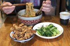 Cult Favorite Sichuan Noodle Shop Finally Expanding to Jing'an