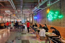Lucky You Cafe is a Hong Kong Canteen With a Hint of Chinatown