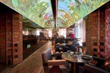 Les Élites, the Upscaled Pizza Hut, Takes On Fine Dining