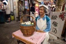 Shanghainese Vintage Food Destination 'City Mart' Serves Up Deep Fried Nostalgia