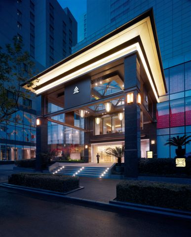 New world shanghai hotel smartshanghai for Best hotel exterior design