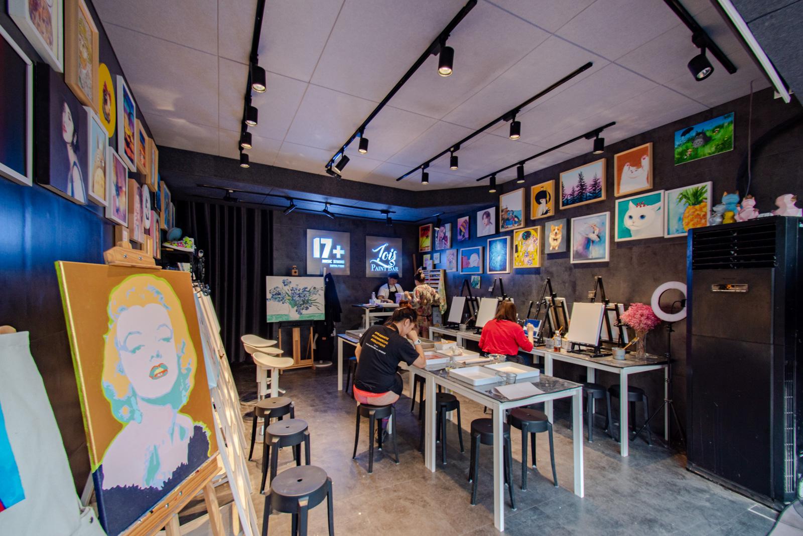 Lois Paint Bar Shanghai
