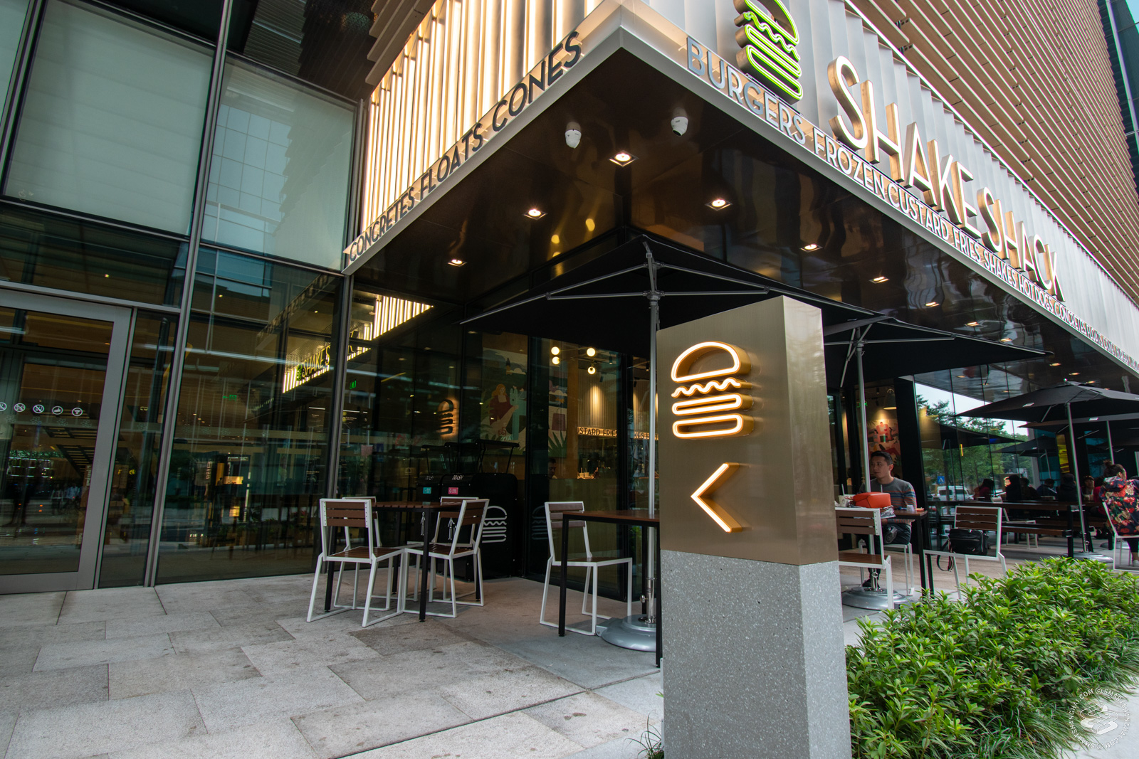 Shake Shack (Jing'an Kerry Center) Shanghai